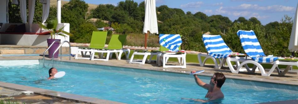 Activiteiten vakantie in bulgarije for Zwembad spel